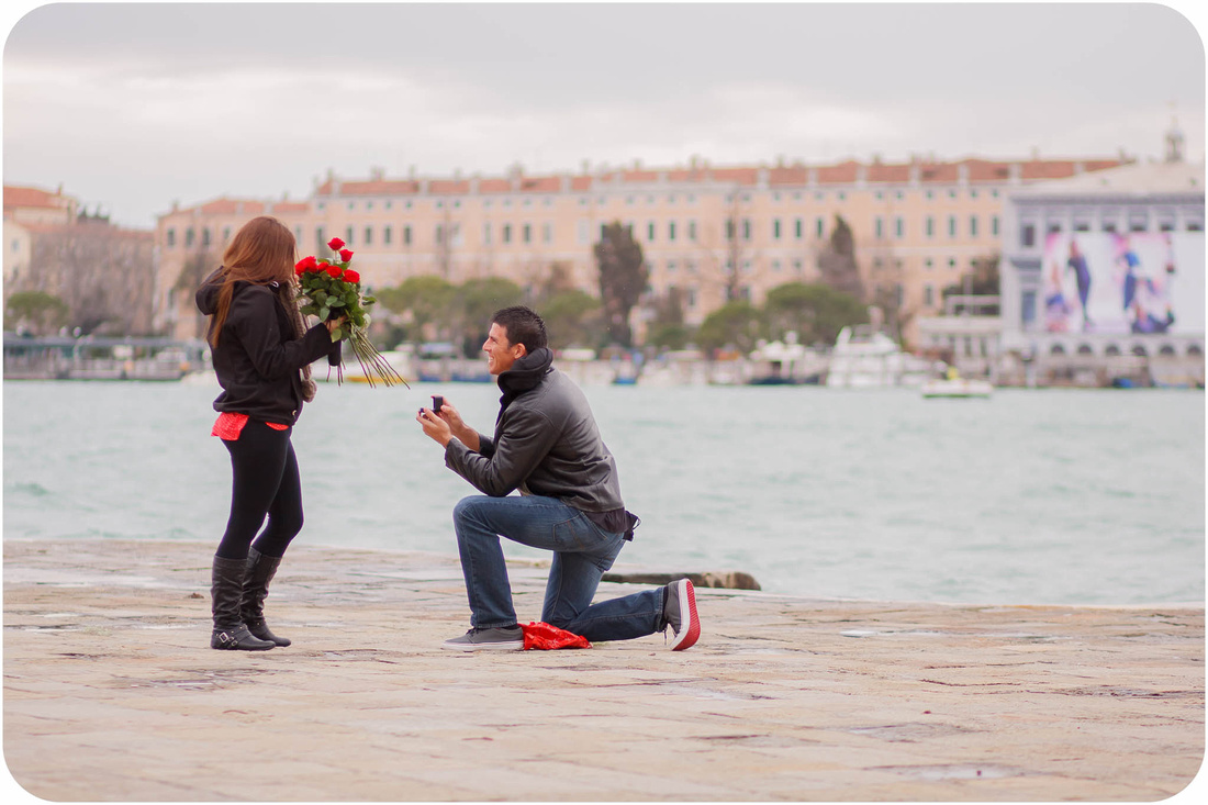 picture of surprise proposal in Venice