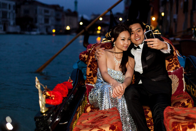 Asian couple shot during a pre-wedding photo service in Venice