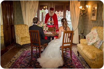 bride and groom attending symbolic wedding ceremony in Venice