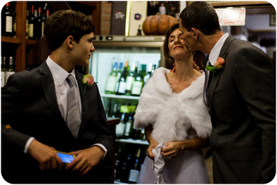 American family enjoyinga  break during a vow renewal photo shooting in Venice.